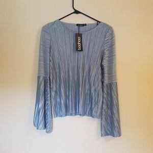 Long sleeve pleated blue shirt
